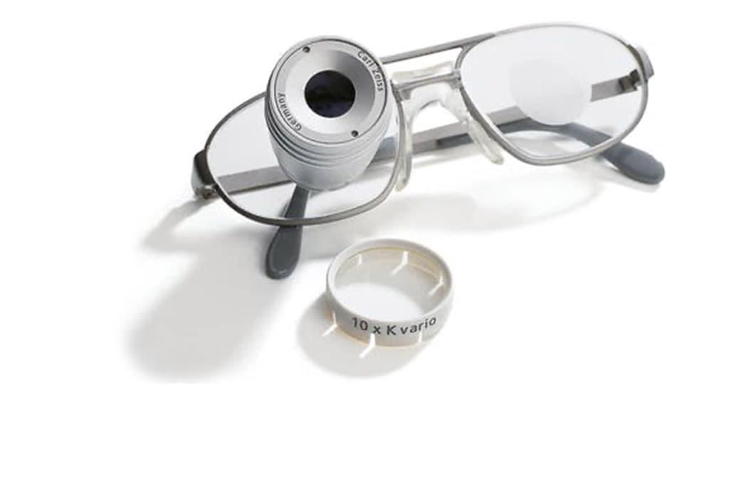 Fernrohr-Brillen von ZEISS