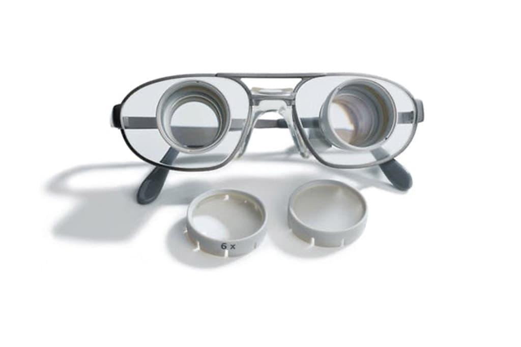 Galileische Fernrohr-Brillen von ZEISS